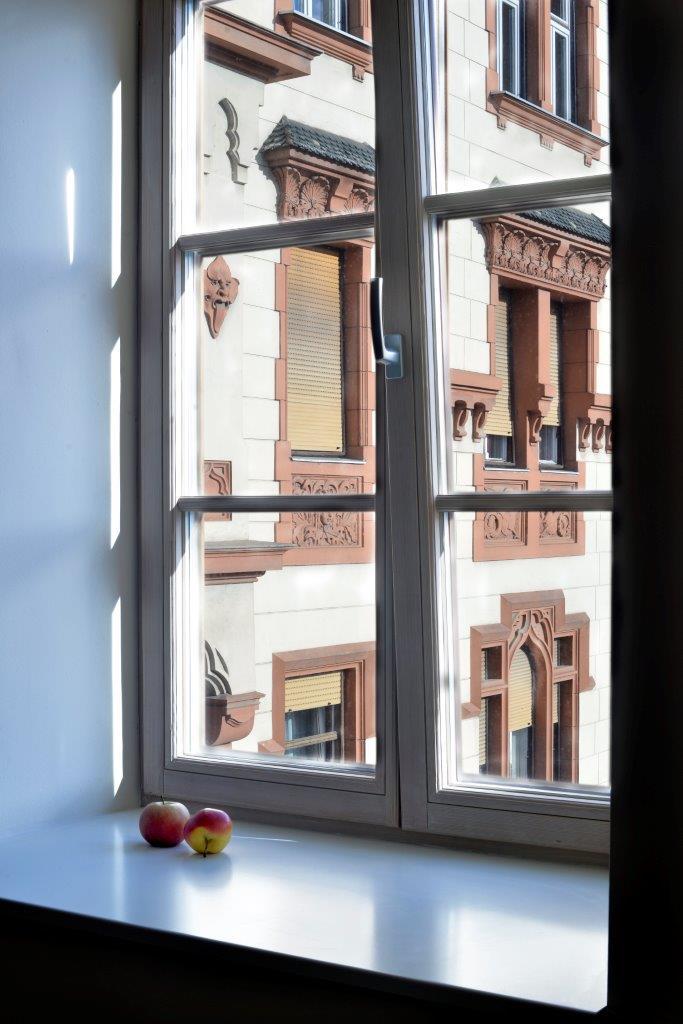 AJM okna v hotelu Maribor ohranjalo kulturno dediščino, hkrati pa zagotavljalo vse prednosti sodobnih oken, z dobro zvočno in toplotno izolacijo na čelu.