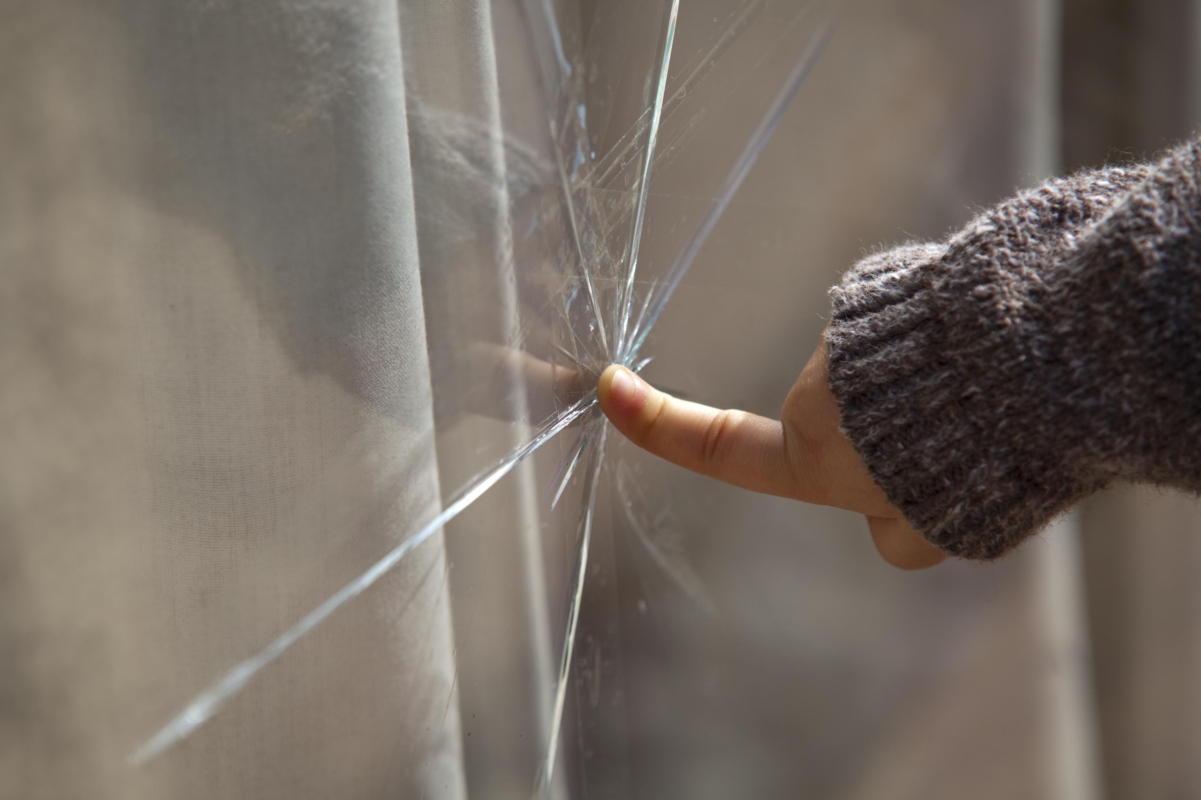 Preprečite poškodbe stekla z varnimi zasteklitvami