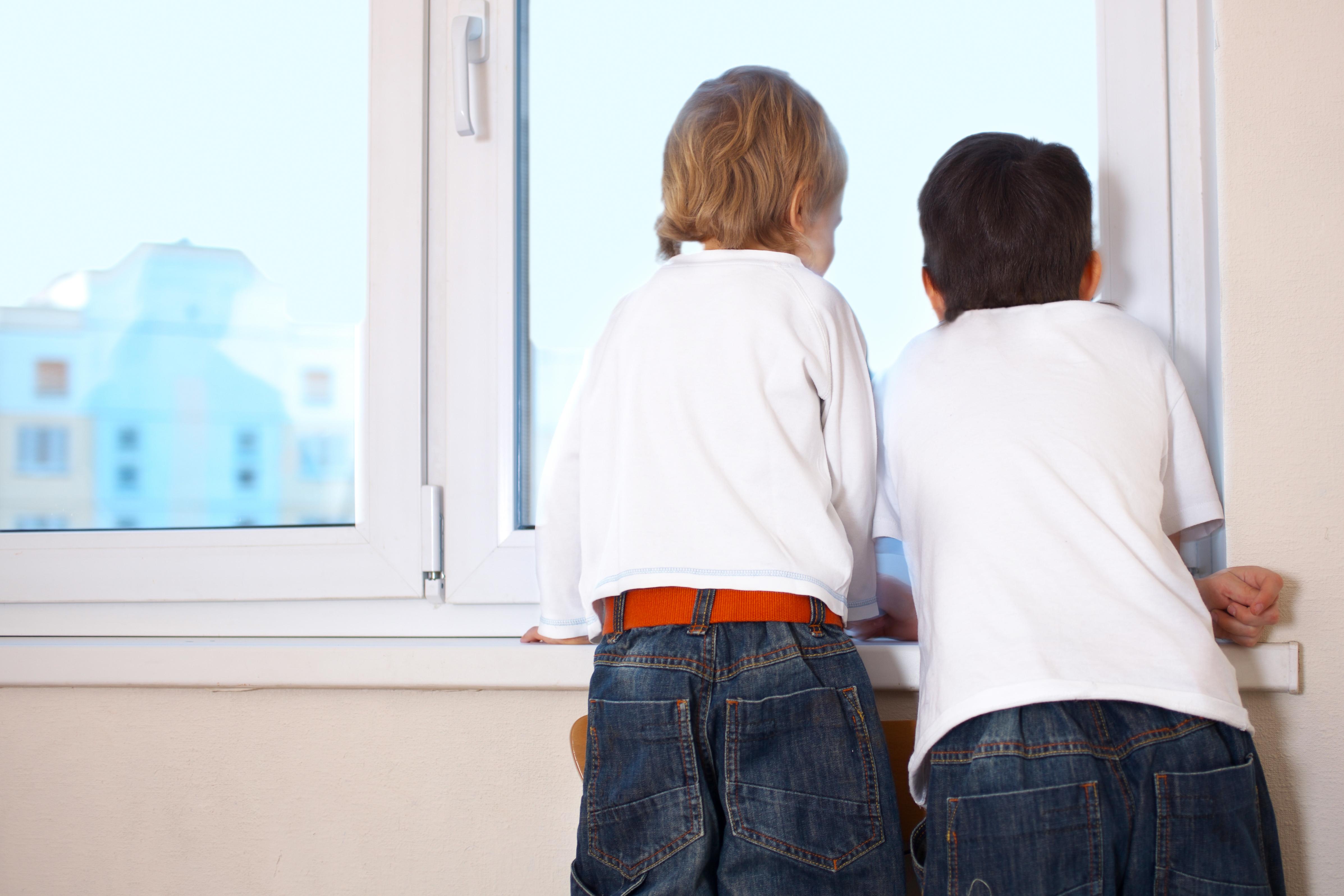 Okna lahko znatno pripomorejo k izolaciji vašega doma in s tem znižajo stroške ogrevanja.